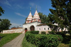 金修道院环形suzdal的俄国 免版税库存照片