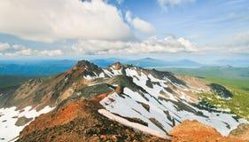 金刚石峰顶和俄勒冈的中央小瀑布 库存照片