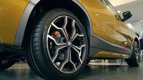 金在经销商沙龙08的BMW x2 2018轮胎 10 2108利沃夫州乌克兰 股票录像