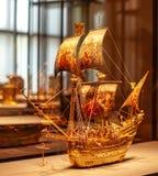 金在维也纳艺术博物馆的帆船 免版税库存图片