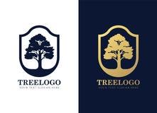 金子和深蓝树商标签到典雅的盾框架传染媒介设计 皇族释放例证