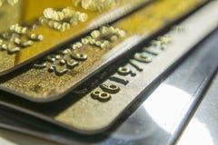 金子和白金信用卡关闭  库存照片