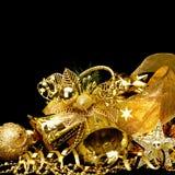 金子圣诞节装饰。 免版税库存照片