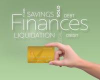 金子在绿色的信用卡 免版税库存图片