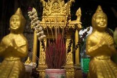 金子精神房子的极端接近的细节在东南亚 库存图片