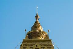 金子Buddhagaya塔,佛教圣所, Sangklaburi, Thailan 免版税库存图片