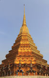 金子stupa 免版税库存图片