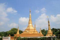 金子stupa 免版税图库摄影
