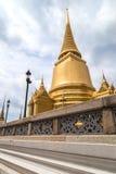 金子stupa 免版税库存照片
