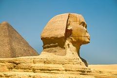 金字塔和狮身人面象在吉萨棉 埃及 9月2008日 免版税库存照片