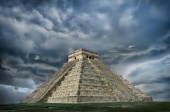 金字塔在奇琴伊察,尤加坦,墨西哥 库存照片