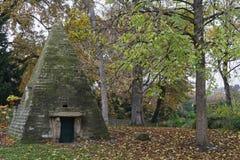 金字塔在Parc Monceau 免版税库存照片