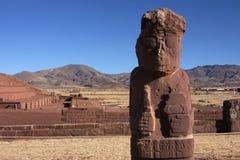 金字塔雕象tiwanaku 图库摄影