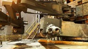 金属与高温火在工厂,重工业概念的铸件过程 E 热的商店  库存图片