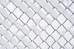 金属丝网在冬天 免版税库存照片