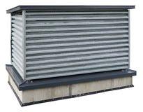金属化有工业调节剂的容器在屋顶  免版税库存照片