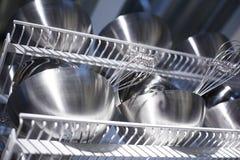 金属化碗筷和容器食物和种田的 库存照片