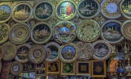 金属在盛大义卖市场的纪念品板材 库存照片