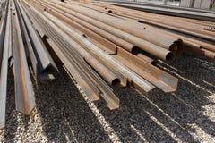 金属堆用管道输送生锈 库存照片
