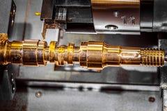 金属工艺CNC碾碎的车床机器 库存照片