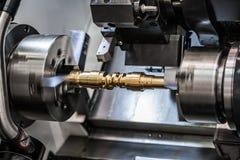 金属工艺CNC碾碎的车床机器 库存图片