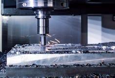 金属工艺CNC铣床 切口金属现代processin 库存照片