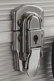 金属手提箱的闭合的锁 免版税库存图片