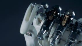 金属手移动的手指,关闭 股票录像