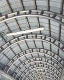 金属曲线屋顶 库存照片