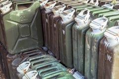 金属汽油箱或便壶罐头运输和存放的gasoli 图库摄影