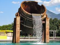 金属熔化熔炉喷泉 库存图片