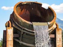 金属熔化熔炉喷泉 免版税库存图片
