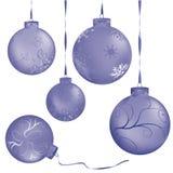金属球蓝色的圣诞节 库存图片