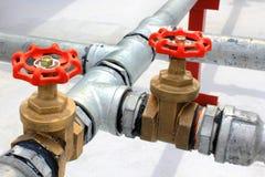 金属用管道输送水 库存照片