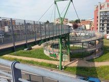 金属结构,周期步行者走道意大利 免版税库存照片