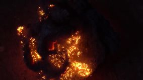 金属羊毛的燃烧 棉绒烧伤美好的金属削片  影视素材