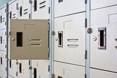 金属衣物柜 免版税库存图片