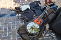 金属谐振器声学吉他 免版税图库摄影