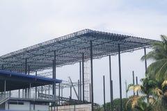 金属钢制框架楼房建筑设计 库存照片