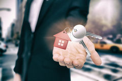 金属钥匙的综合图象与红色家庭圆环的 库存照片