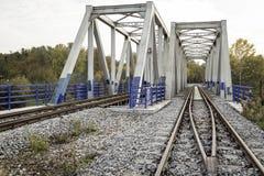 金属铁路桁架桥 库存照片