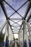 金属铁路高架桥 免版税库存照片