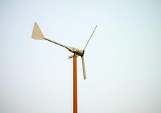金属风轮机模型 免版税库存图片