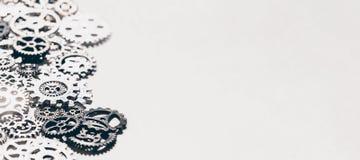 金属齿轮和钝齿轮背景 图库摄影