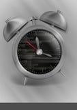 金属经典样式闹钟。 免版税库存照片