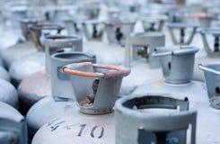 金属LPG在存贮的制冷剂瓶 免版税库存照片