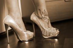 金性感的高跟鞋 图库摄影