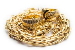 金戒指和链子 库存照片