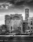 金星和罗马寺庙 免版税库存照片
