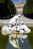 金星喷泉在Schonbrunn庭院里 Schonbrunn庭院是一个最重要历史 库存图片